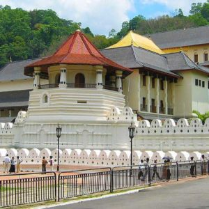 Temple-of-the-sacred-tooth-relic-kandy
